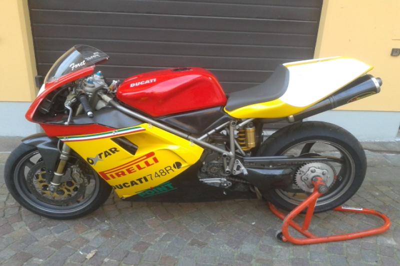 Ducati 748 RS ex. Fabien Foret