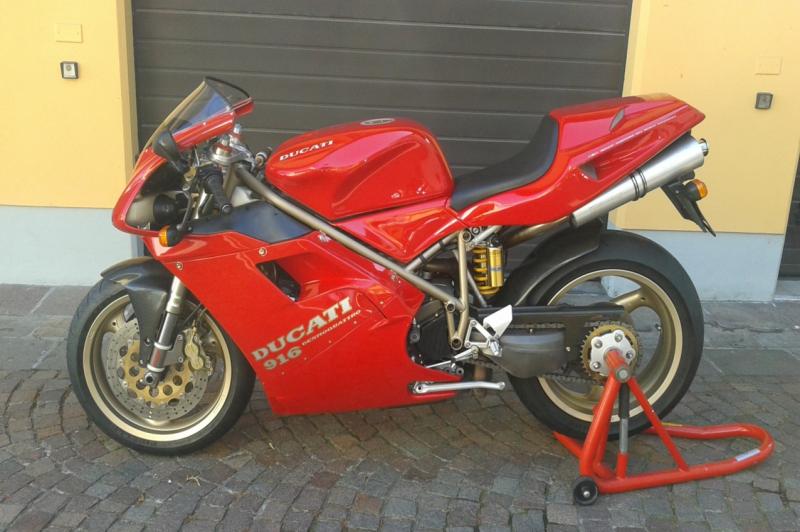Ducati 916 S monoposto primo tipo 1994